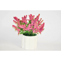 Levandule v keramickém pleteném květináči